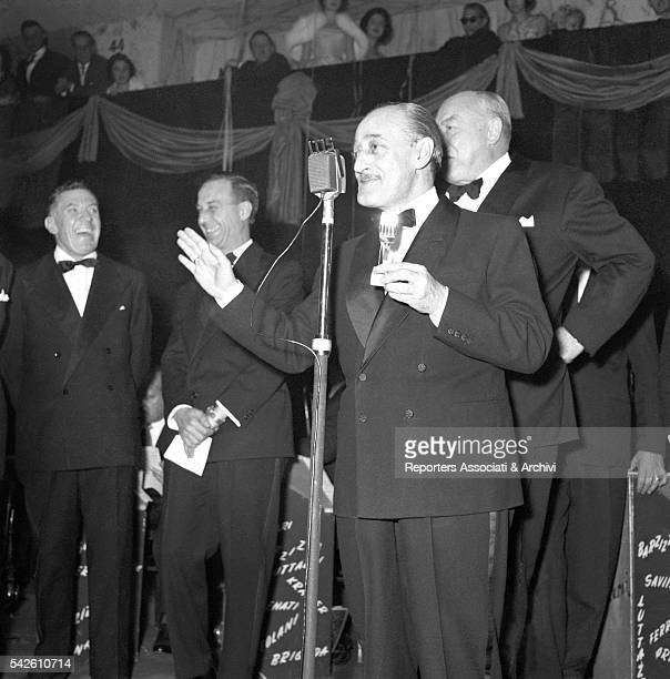 Italian actor Tot˜ at the Palazzo dei Congressi in Eur for the Silver Mic award ceremony Rome 31st December 1957