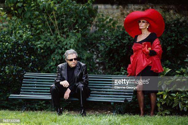 Italian actors Marcello Mastroianni and Sophia Loren on the set of the film PretaPorter directed by American director Robert Altman