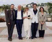 Italian actors Massimo Popolizio Toni Servillo Piera Degli Esposti Italian director Paolo Sorrentino and Italian actress Anna Bonaiuto pose during a...