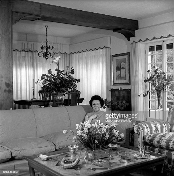Italian actress Giulietta Masina sitting in the living room of her house in Fregene Fiumicino 1967