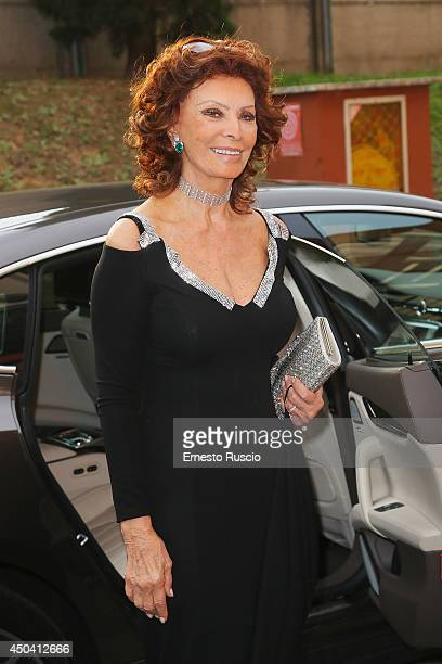 Italian actress Sophia Loren arrives at the David Di Donatello Awards at Studi Dear on June 10 2014 in Rome Italy