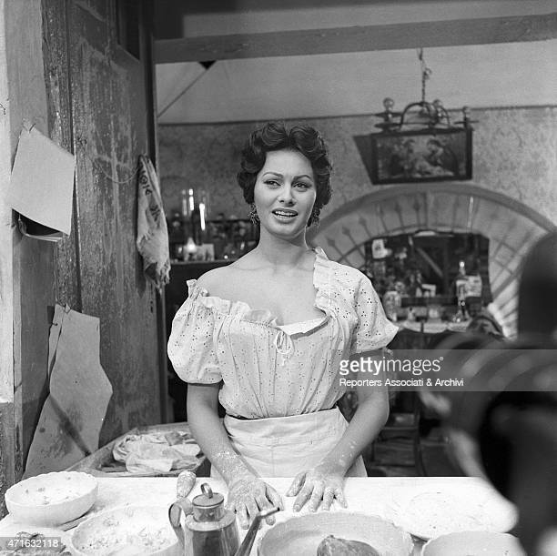 'Italian actress Sophia Loren in The Gold of Naples films in six episodes directed by Vittorio De Sica the episode is Pizzas on credit the set was in...
