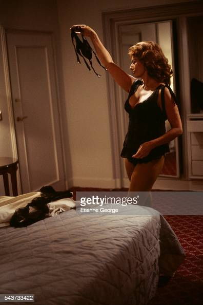Italian actress Sophia Loren on the set of the film PretaPorter directed by American director Robert Altman
