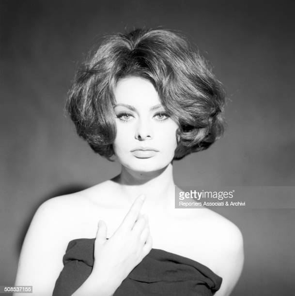 Italian actress Sophia Loren posed for a portrait in the studio photo 1962