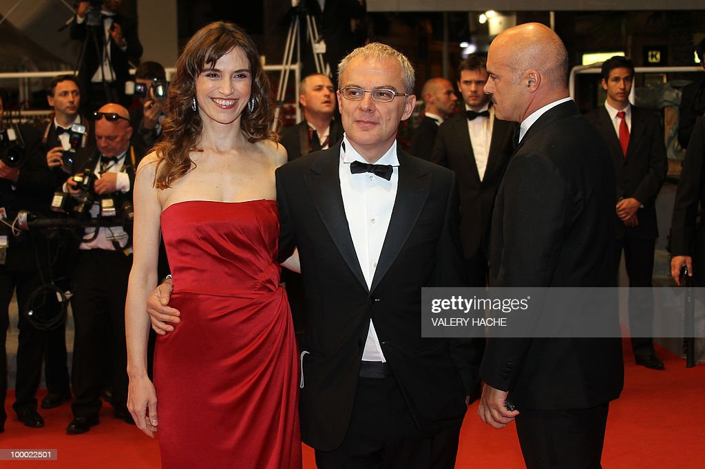 Italian actress Stefania Montorsi, Italian director Daniele Luchetti (C) and Italian actor Luca Zingaretti arrive for the screening of 'La Nostra Vita' (Our Life) presented in competition at the 63rd Cannes Film Festival on May 20, 2010 in Cannes.