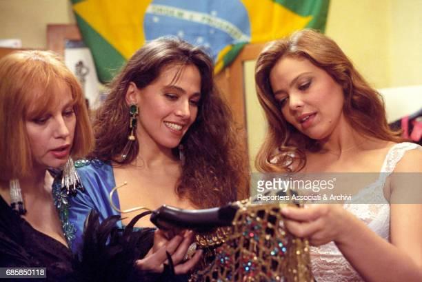 Italian actresses Stefania Sandrelli Barbara D'Urso and Ornella Muti in a scene from the film 'Non chiamarmi Omar' Italy 1992