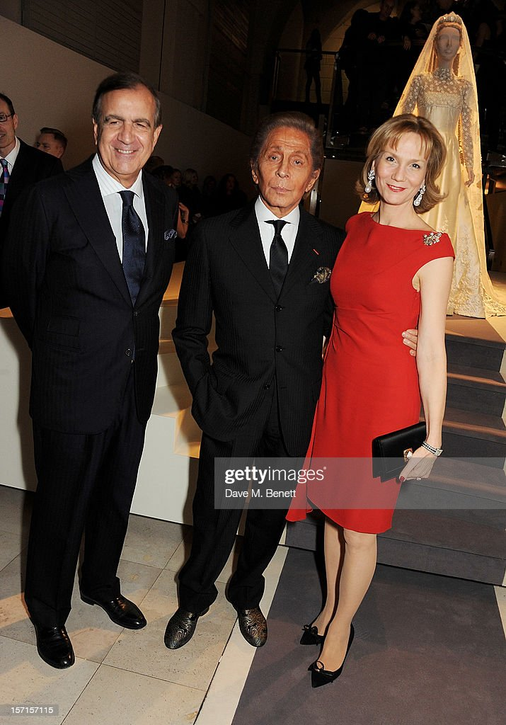 Italian Ambassador Alain Giorgio Maria Economides (L) and <a gi-track='captionPersonalityLinkClicked' href=/galleries/search?phrase=Valentino+Garavani+-+Modeontwerper&family=editorial&specificpeople=4297414 ng-click='$event.stopPropagation()'>Valentino Garavani</a> attend a private view of 'Valentino: Master Of Couture', exhibiting from November 29th, 2012 - March 3, 2013, at Somerset House on November 28, 2012 in London, England.