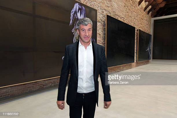 Italian artist Maurizio Cattelan attends the official opening of 'Elogio del Dubbio' at Punta della Dogana on April 9 2011 in Venice Italy The...
