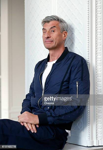 Italian artist Maurizio Cattelan poses prior to the opening of the exhibition 'Not Afraid of Love' at the Hotel de la Monnaie on October 17 2016 in...
