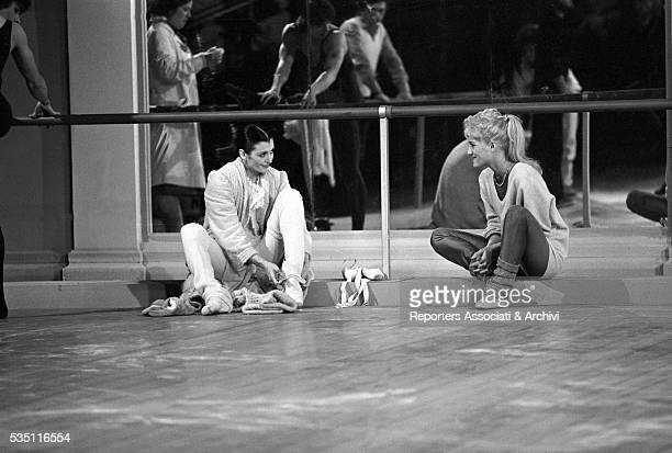 Italian ballet dancer Carla Fracci and American showgirl Heather Parisi rehearsing at Teatro delle Vittorie before a TV show Rome 1983