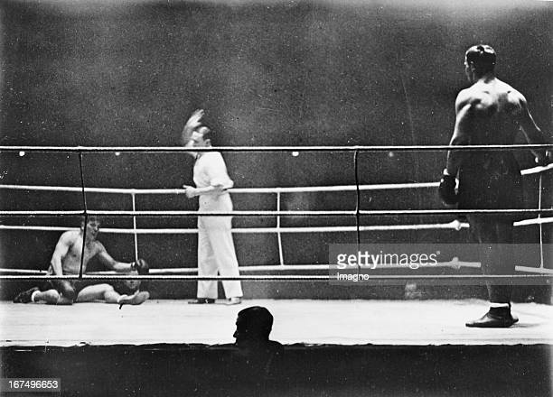 Italian boxer and 1933/34 world heavyweight champion Primo Carnera in his victory fight over Moise Bouquillon in the Palais des Sports/Paris 25th...