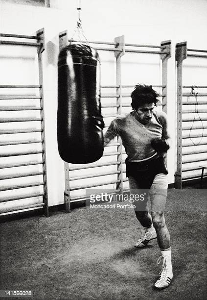 Italian boxer Nino Benvenuti training at boxing sac in the sporting centre of Milanello to take his revenge against Carlos Monzon who took him away...