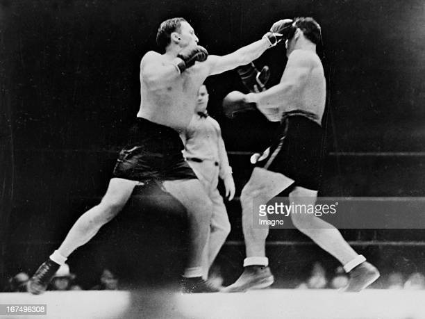 Italian Boxer Primo Carnera at his victory over the USamerican boxer Tommy Loughran in Miami Beach 10th March 1934 Photograph Der italienische Boxer...