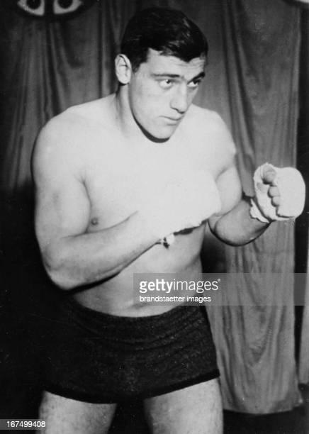 Italian Boxer Primo Carnera in training before his fight against Paolini Uzcudum in Rome October 1933 Photograph Der italienische Boxer Primo Carnera...