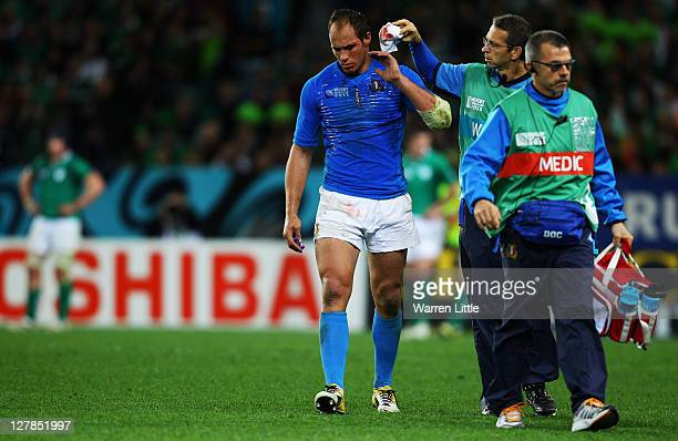 Italian Captain Sergio Parisse leaves the pitch with a blood injury during the IRB Rugby World Cup Pool C match between Ireland and Italy at Dunedin...