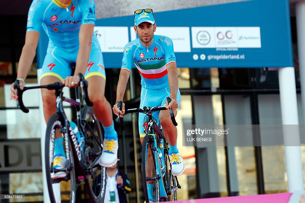 Italian cyclist Vincenzo Nibali of Astana Pro team looks on during the team presentation for the 99th Giro d'Italia (Tour of Italy) on May 5, 2016 in Apeldoorn. / AFP / LUK