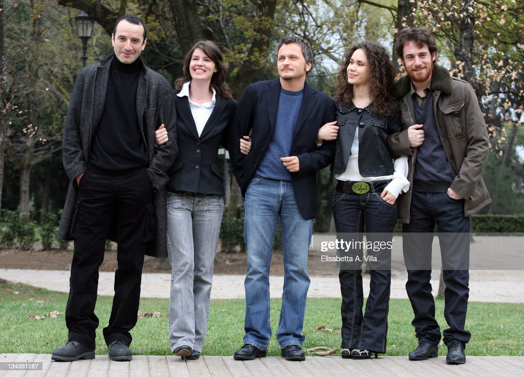 Italian director Paolo Franchi (C) with actors (L-R) Bruno Todeschini, <a gi-track='captionPersonalityLinkClicked' href=/galleries/search?phrase=Irene+Jacob&family=editorial&specificpeople=1534457 ng-click='$event.stopPropagation()'>Irene Jacob</a>, Mimosa Campironi and Elio Germano attend the 'Nessuna Qualita Agli Eroi' (Fallen Heroes) photocall at Villa Borghese on March 26, 2008 in Rome, Italy.