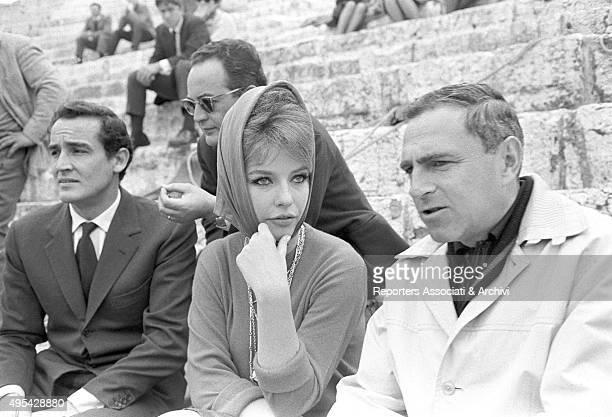 Italian film producer Dino De Laurentiis Italian actor Vittorio Gassman American director Richard Fleischer and Danish actress Annette Stroyberg at...