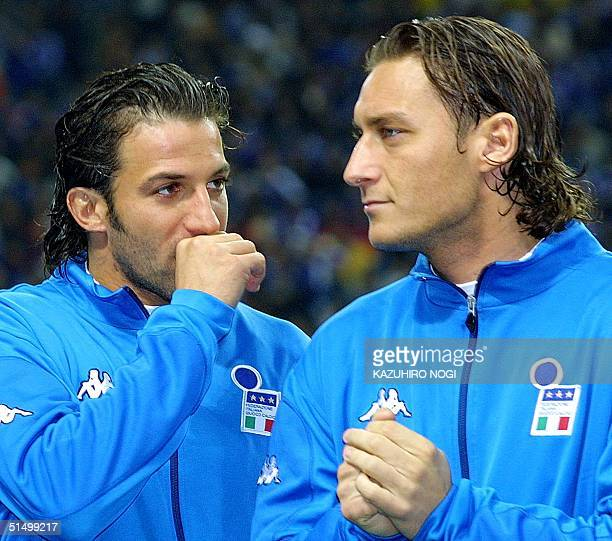 Italian forwards Alessandro Del Piero of FC Juventus chats with Francesco Totti of ASRoma before the Kirin Challenge Cup soccer friendly match...