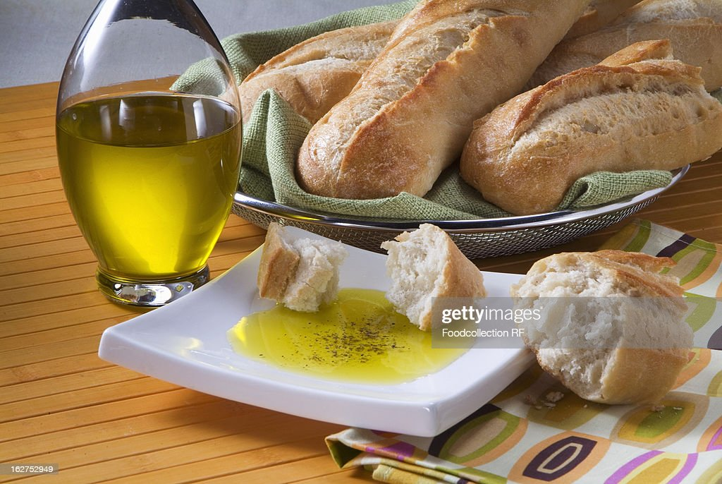 how to make dipping oil for italian bread