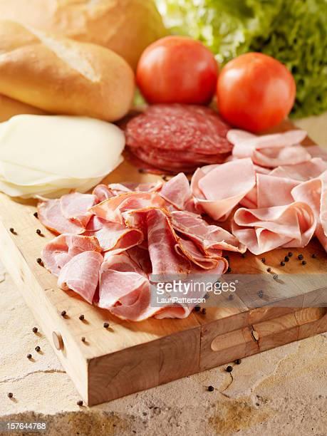 Viandes italiennes au fromage et légumes