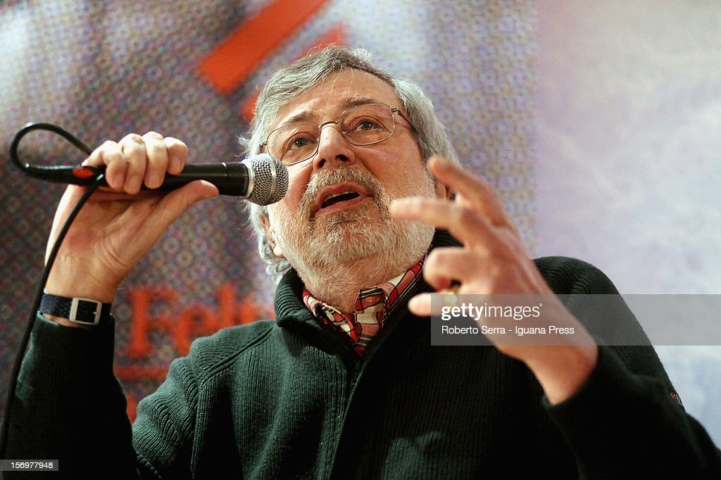 Italian Musician and author Francesco Guccini presents his latest record 'Ultima Thule' at Feltrinelli Bookshop on November 26, 2012 in Milan, Italy.