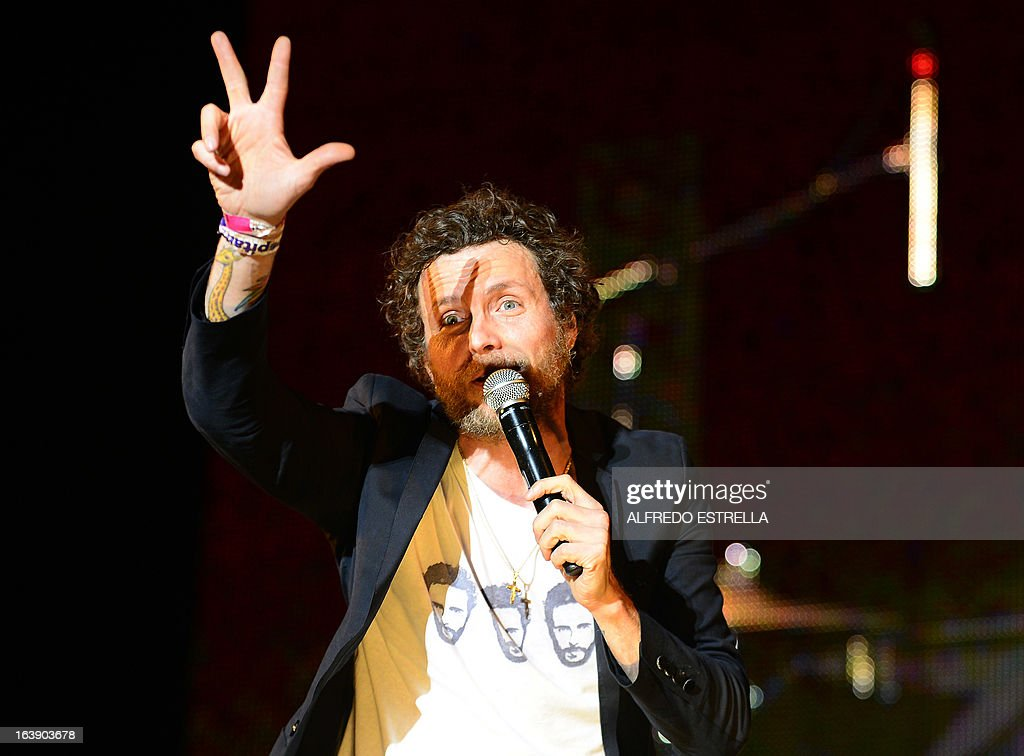 Italian musician and composer Jovanotti performs during the third day of the Vive Latino 2013 Music Fest at the Foro Sol in Mexico City, on March 17, 2013. AFP PHOTO/Alfredo Estrella