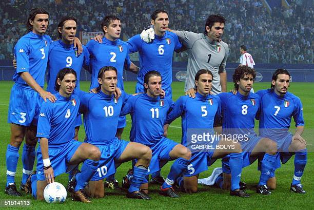Italian National team pose before the Soccer World Cup match Italy vs Hungaria at Parma's Stadio Ennio Tardini 06 October 2001 Italy won 10 and is...