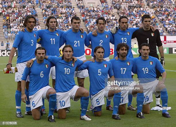 Italian players pose for the traditionnal team picture before the Group G first round match Italy/Croatia of the 2002 FIFA World Cup in Korea and...