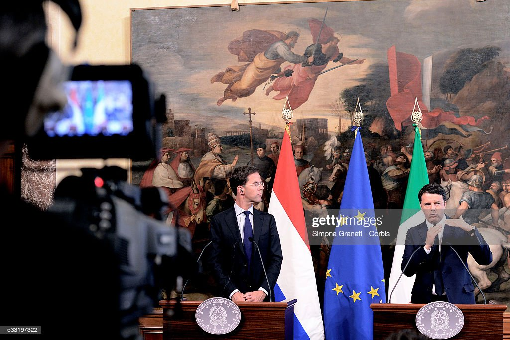 Italian Premier <a gi-track='captionPersonalityLinkClicked' href=/galleries/search?phrase=Matteo+Renzi&family=editorial&specificpeople=6689301 ng-click='$event.stopPropagation()'>Matteo Renzi</a> received at Palazzo Chigi, the Dutch Prime Minister <a gi-track='captionPersonalityLinkClicked' href=/galleries/search?phrase=Mark+Rutte&family=editorial&specificpeople=4509362 ng-click='$event.stopPropagation()'>Mark Rutte</a>, on May 19, 2016 in Rome, Italy.