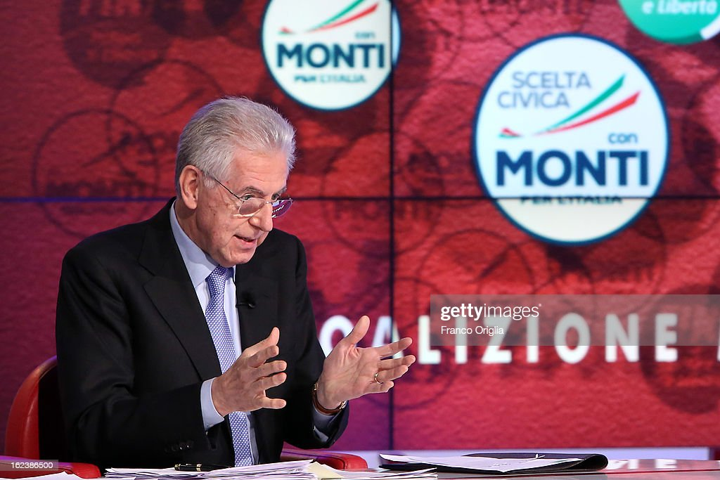 Italian Prime Minister and centrist candidate for prime minister <a gi-track='captionPersonalityLinkClicked' href=/galleries/search?phrase=Mario+Monti&family=editorial&specificpeople=632091 ng-click='$event.stopPropagation()'>Mario Monti</a> attends a final campaign press conference at Rai Parlamento on February 22, 2013 in Rome, Italy.
