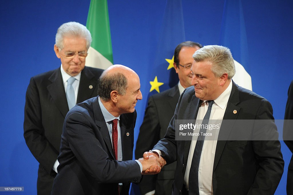 Italian Prime Minister <a gi-track='captionPersonalityLinkClicked' href=/galleries/search?phrase=Mario+Monti&family=editorial&specificpeople=632091 ng-click='$event.stopPropagation()'>Mario Monti</a>, Italian Transport Minister Corrado Passera, France PM Francois Hollande and French Transport Minister Frederic Cuvillier attend the French Italian Summit on December 3, 2012 in Lyon, France. The two countries are meeting to sign an official accord for the construction of new high speed (TAV) rail line running from Lyon to Torino.