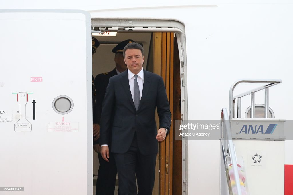 Italian Prime Minister Matteo Renzi arrives at Chubu Centrair International Airport in Tokoname, Aichi Prefecture, central Japan, 25 May 2016.