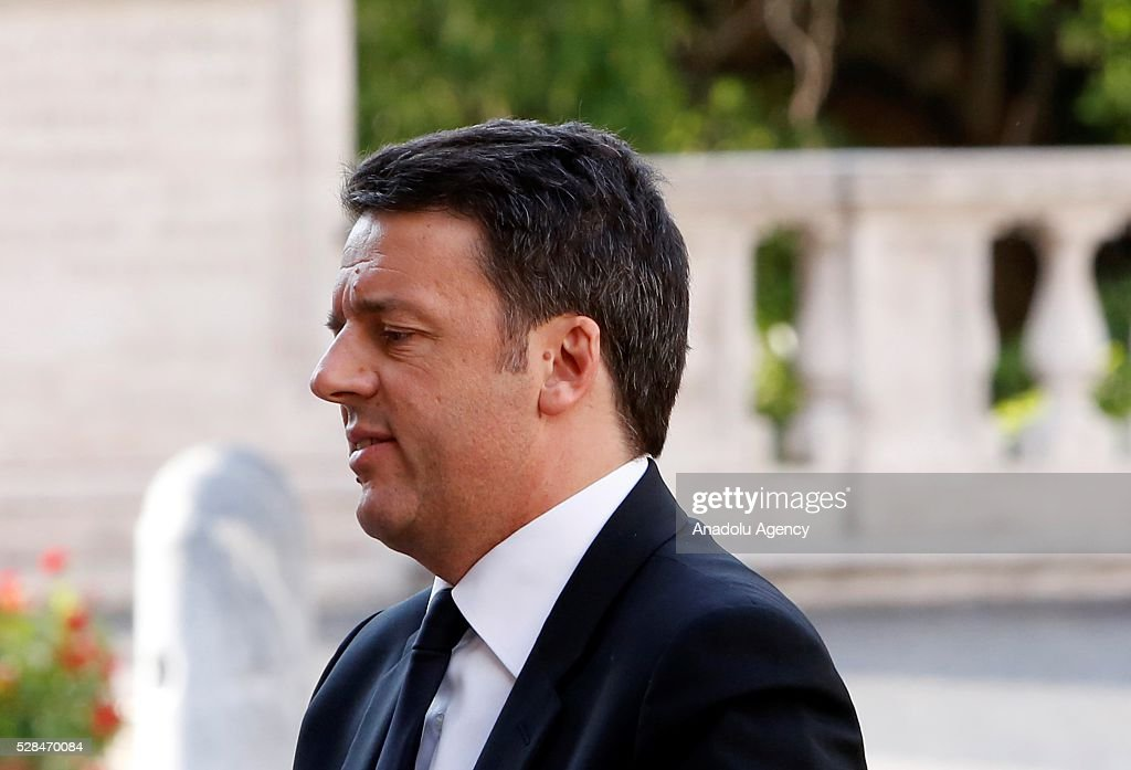 Italian Prime Minister Matteo Renzi arrives in the Piazza del Campidoglio to attend a conference on the state of the European Union at the Capitoline Museum in Rome, May 5, 2016.