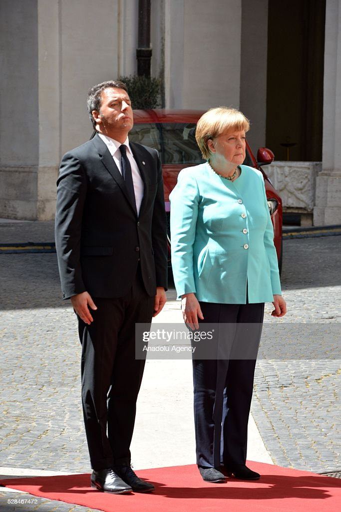 Italian Prime Minister Matteo Renzi (L) welcomes German Chancellor Angela Merkel during an official welcoming ceremony in Rome, Italy, 05, 2016. Merkel is on a two-day visit to Rome.