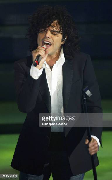 Italian singer Francesco Renga performs at the second day of the San Remo Festival at the Ariston Theatre on March 2 2005 in San Remo Italy The...
