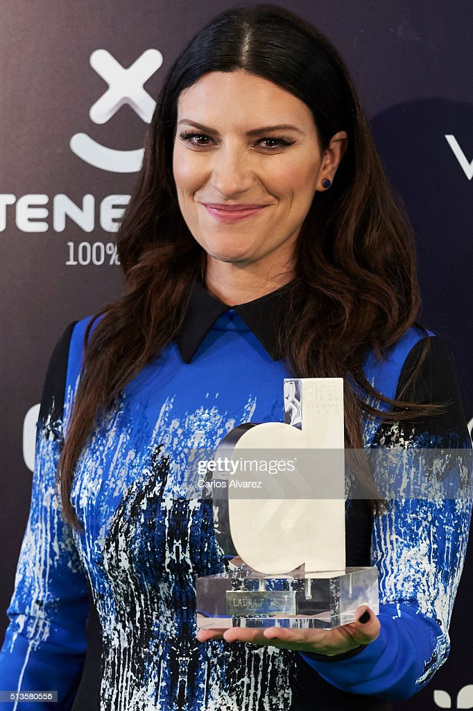 Italian singer Laura Pausini attends the 'Cadena Dial' 2015 awards press room at the Recinto Ferial on March 3, 2016 in Tenerife, Spain.