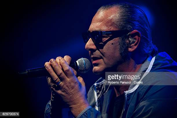 Italian singer Luca Carboni performs in concert at Auditorium Parco della Musica on December 12 2016 in Rome Italy