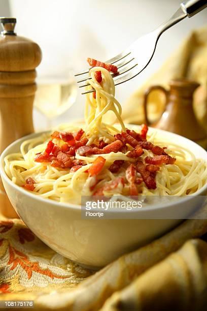 イタリア料理の静止画: スパゲッティカルボナーラ