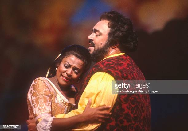 Italian tenor Luciano Pavarotti performs with American soprano Kathleen Battle in the Metropolitan Opera/John Copley production of 'l'Elisir d'Amore'...