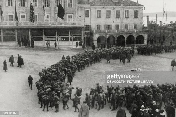Italian troops entering Sibenik Croatia World War I from l'Illustrazione Italiana Year XLV No 50 December 15 1918