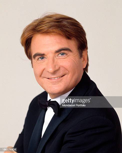 Italian TV host and producer Paolo Limiti posing smiling 1998