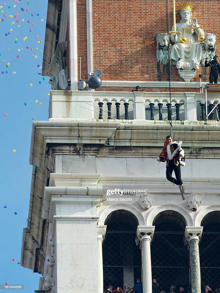 Italian Volleyball Olympic player Francesca Piccinini performs during the Volo dell'Aquila as she flies down from San Marco Tower to the Square at...