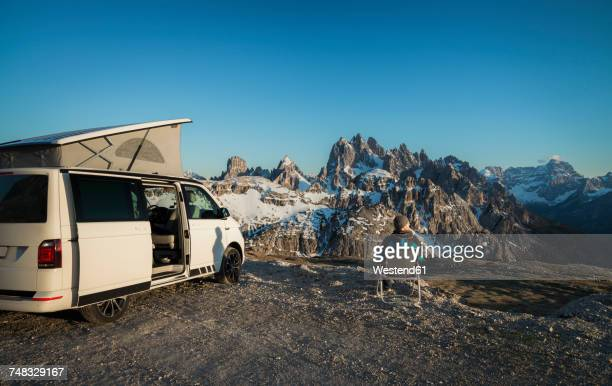 Italy, Alto Adige, Dolomites, Camper in front of Cardini Group