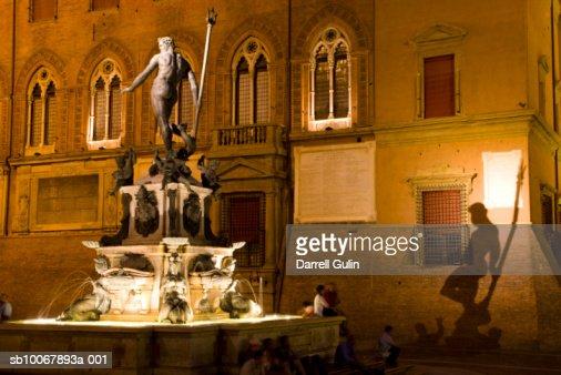 Italy, Bologna, Piazza Maggiore with Fountain Neptune (shadow on Palazzo Comunale) : Stock Photo