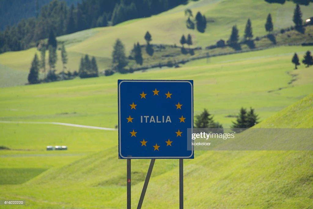 Italy bordersign at Reschenpass : Stock Photo