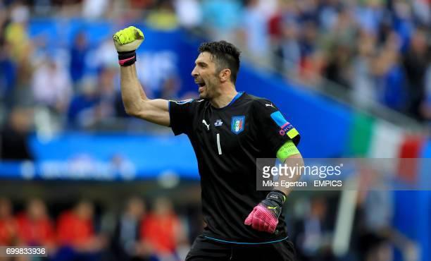 Italy goalkeeper Gianluigi Buffon celebrates his side's second goal