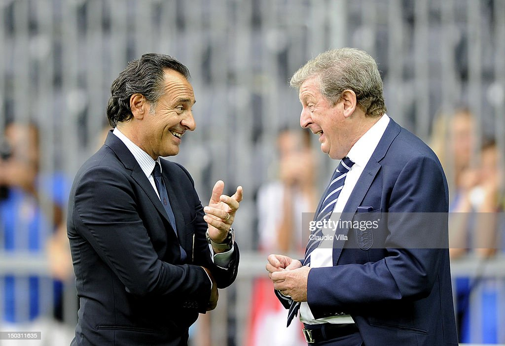 Italy head coach <a gi-track='captionPersonalityLinkClicked' href=/galleries/search?phrase=Cesare+Prandelli&family=editorial&specificpeople=742442 ng-click='$event.stopPropagation()'>Cesare Prandelli</a> and England head coach <a gi-track='captionPersonalityLinkClicked' href=/galleries/search?phrase=Roy+Hodgson&family=editorial&specificpeople=881703 ng-click='$event.stopPropagation()'>Roy Hodgson</a> (R) before the international friendly match between England and Italy at Stade de Suisse, Wankdorf on August 15, 2012 in Bern, Switzerland.