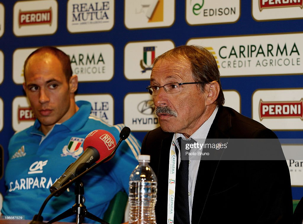 Italy head coach Jacques Brunel (R) and his captain Sergio Parisse attend a press conference after the international test match between Italy v New Zealand at Stadio Olimpico on November 17, 2012 in Rome, Italy.