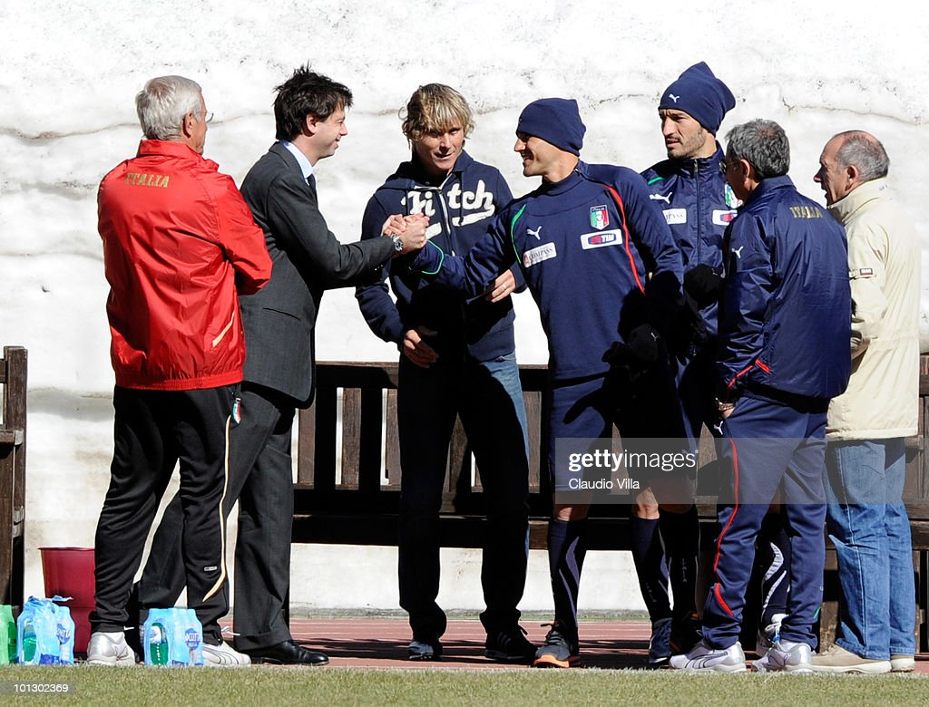 Italy head coach <a gi-track='captionPersonalityLinkClicked' href=/galleries/search?phrase=Marcello+Lippi&family=editorial&specificpeople=535060 ng-click='$event.stopPropagation()'>Marcello Lippi</a>, President of Juventus FC, <a gi-track='captionPersonalityLinkClicked' href=/galleries/search?phrase=Pavel+Nedved&family=editorial&specificpeople=211256 ng-click='$event.stopPropagation()'>Pavel Nedved</a>, <a gi-track='captionPersonalityLinkClicked' href=/galleries/search?phrase=Gianluca+Zambrotta&family=editorial&specificpeople=209127 ng-click='$event.stopPropagation()'>Gianluca Zambrotta</a> and <a gi-track='captionPersonalityLinkClicked' href=/galleries/search?phrase=Fabio+Cannavaro&family=editorial&specificpeople=204335 ng-click='$event.stopPropagation()'>Fabio Cannavaro</a> during the training session on May 31, 2010 in Sestriere near Turin, Italy.